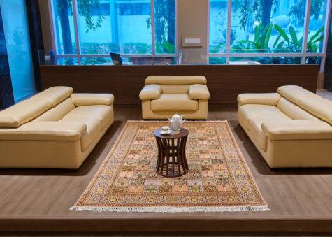 Lantana Qum   Carpets of Kashmir