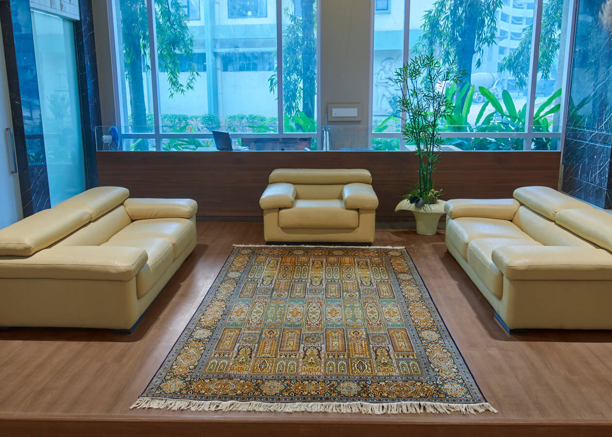Pure Silk Oriental Design Carpet for Living Room