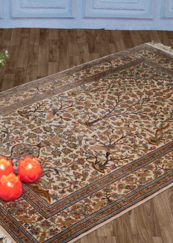 Pictorial silk carpet for wall hanging