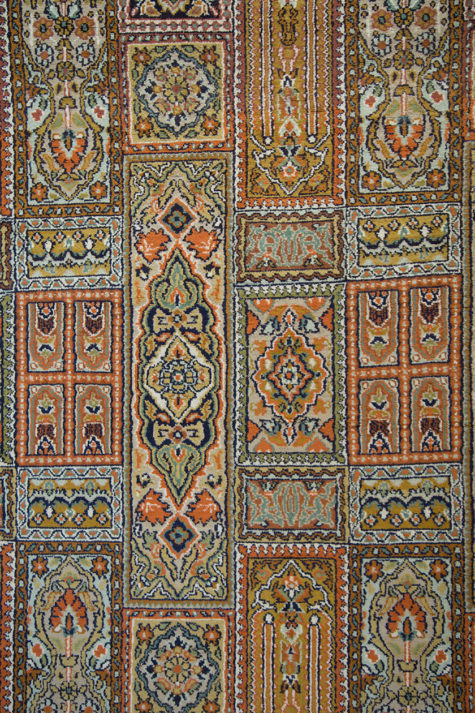 Geometric design pure silk carpet size 7 by 5