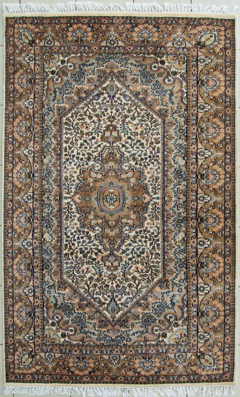 Floral Design Wool Silk Coffee Table Rug