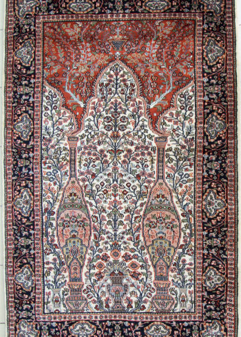 Wall hanging pictorial carpet